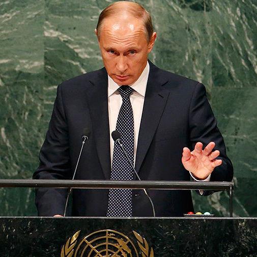 Путін пояснив, чому спізнився на саміт у Парижі
