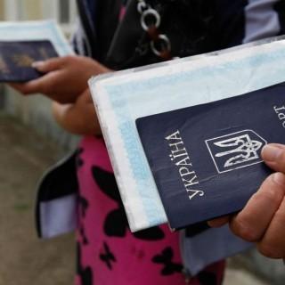 Росія посилює міграційні правила для українців