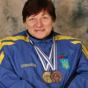 """Мешканка Рівного здобула """"срібло"""" та """"бронзу"""" на чемпіонаті Європи з пауерліфтінгу"""