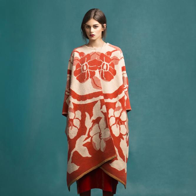 Естонський дизайнер створює пальта зі старих радянських ковдр (фото)