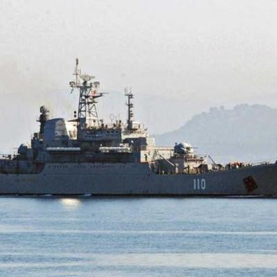 Десантний корабель РФ зганьбився на Босфорі