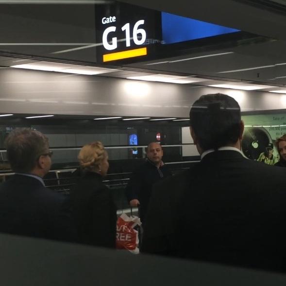 В аеропорту Відня Тимошенко побачили у компанії екс-міністра енергетики Продана (відео)