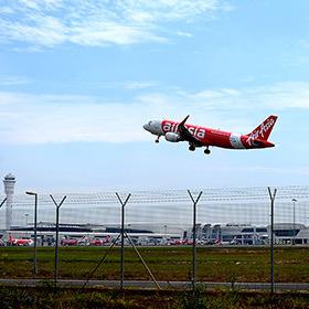 """У малайзійському аеропорту загубилися три """"Боїнга"""""""