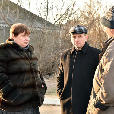 На Донеччині лжеволонтери виманили останні гроші у мешканців прифронтового селища