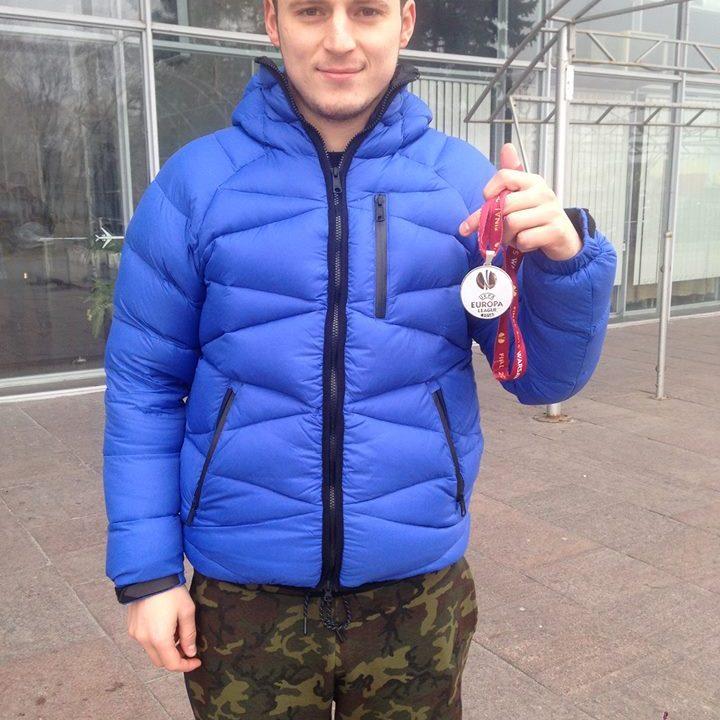 Роман Зозуля виставив медаль фіналіста Ліги Європи на благодійний аукціон