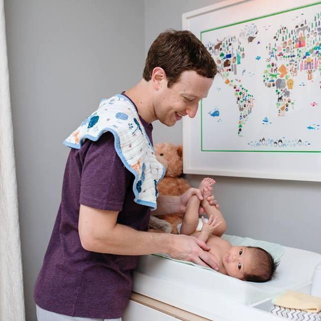 Відомий мільярдер показав, як доглядає маленьку донечку