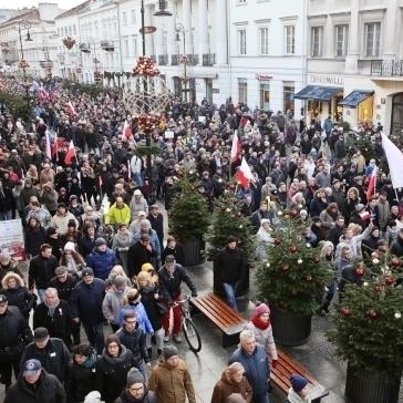 У Варшаві відбувся 50-тисячний мітинг проти дій влади