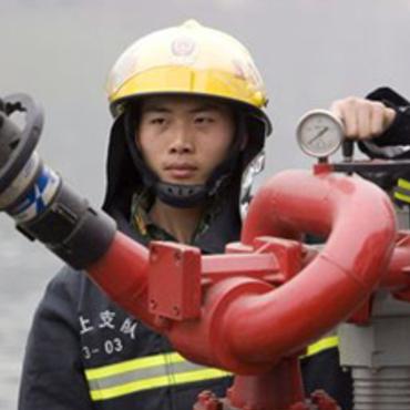 Китайські пожежники помилково загасили готовий до вильоту Boeing