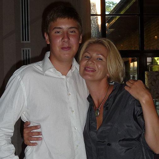 """Син російського мільярдера вбив власну матір, оскільки """"батьки йому багато не давали"""""""