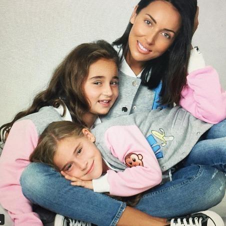 Алсу розповіла, що її донечки просять на Новий рік