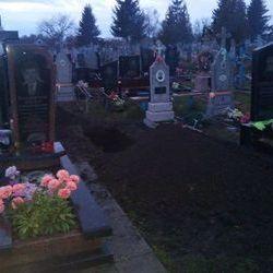 На Рівненщині жінка розкопала могилу, щоб забрати звідти фотографію