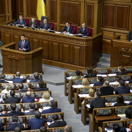 Порошенко хоче звільняти депутатів за три прогули в Раді