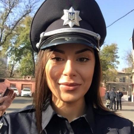 У лавах одеських патрульних поліцейських служить гламурна віце-міс