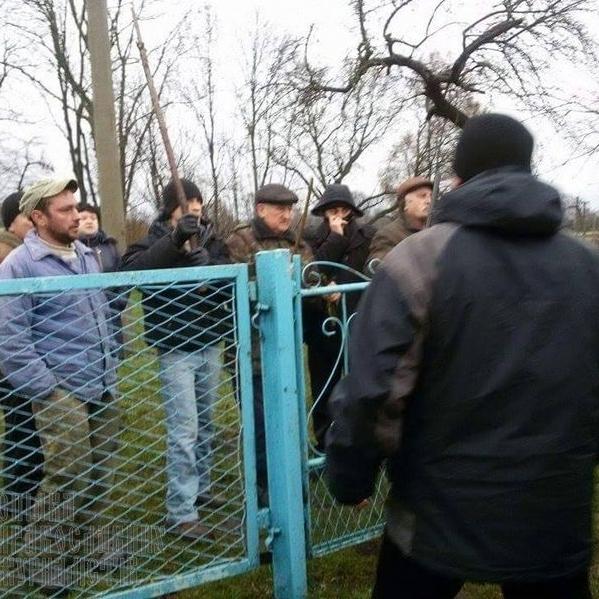 На Рівненщині конфліктують представники церков різних патріархатів(фото)