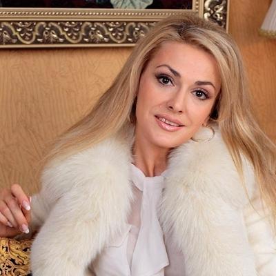 Ольга Сумська зробила селфі без макіяжу