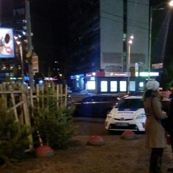 У Києві стався збройний напад на продавця ялинок