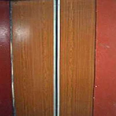У Полтаві обірвався ліфт із 6-річною дитиною