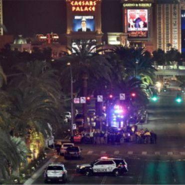 """У Лас-Вегасі біля готелю, де проходила церемонія нагородження конкурсу """"Міс Всесвіт-2015"""", авто в'їхало у натовп"""