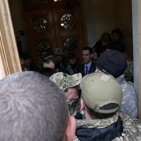 Єгор Соболєв погрожував охороні Верховної Ради гранатою (ВІДЕО)