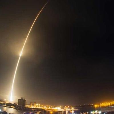 Історичний момент: перший ступінь ракети-носія Falcon 9 уперше повернувся на Землю (ВІДЕО)