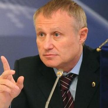 Суркіс підтримав антикризову програму Павелко
