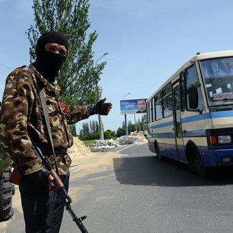 Російські бойовики посилюють охорону дороги до Донецька