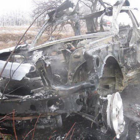 У мережі з'явилися фото підірваного автомобіля Дрьомова (ФОТО)
