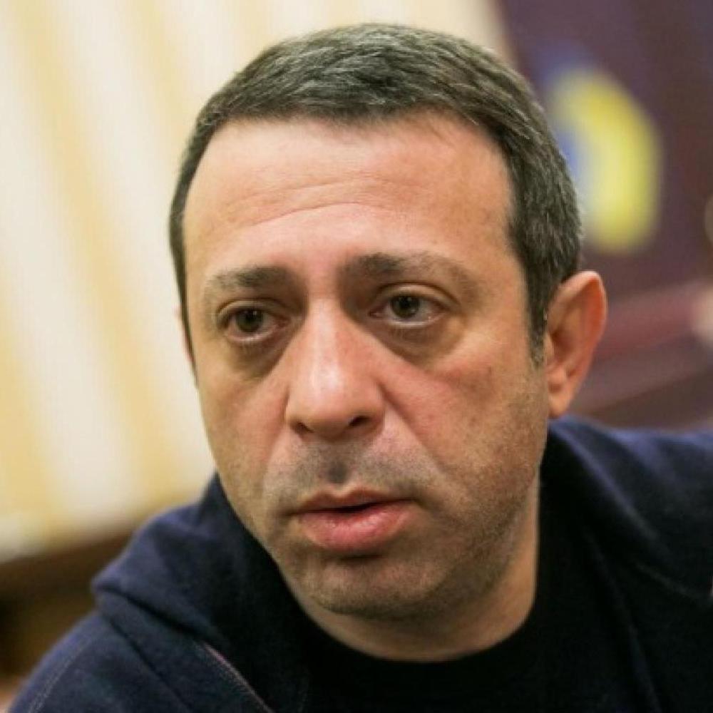 Корбан знепритомнів, а силовики відтісняють активістів УКРОПу