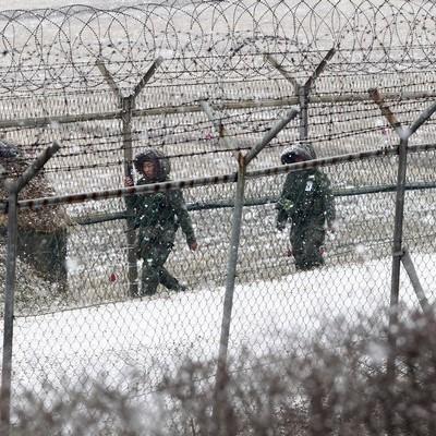 КНДР зажадала від Південної Кореї зруйнувати бетонну стіну, зведену на її кордоні