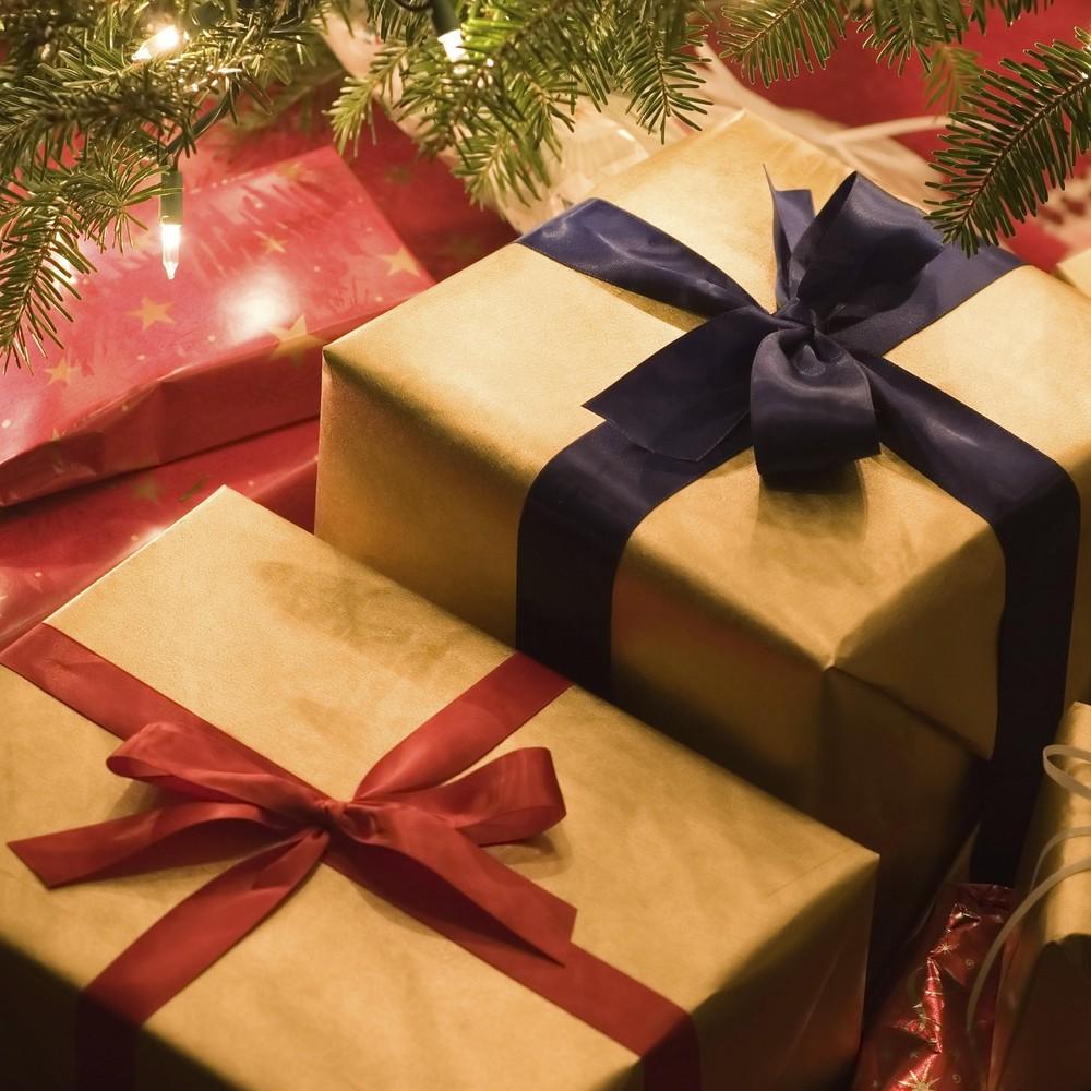 У Нью-Йорку листоноша викинув у сміття сотні чужих різдвяних подарунків