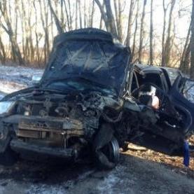 Легковик врізався в армійський позашляховик, постраждали діти