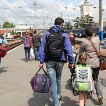 Переселенців з Донбасу виселяють з гуртожитку Києва в морози