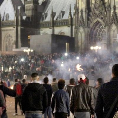 Секс-скандал у Кельні: жінки вимагають від Меркель радикальних заходів проти чоловіків-біженців