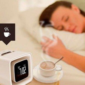 З'явився будильник, який розпилює запах кави