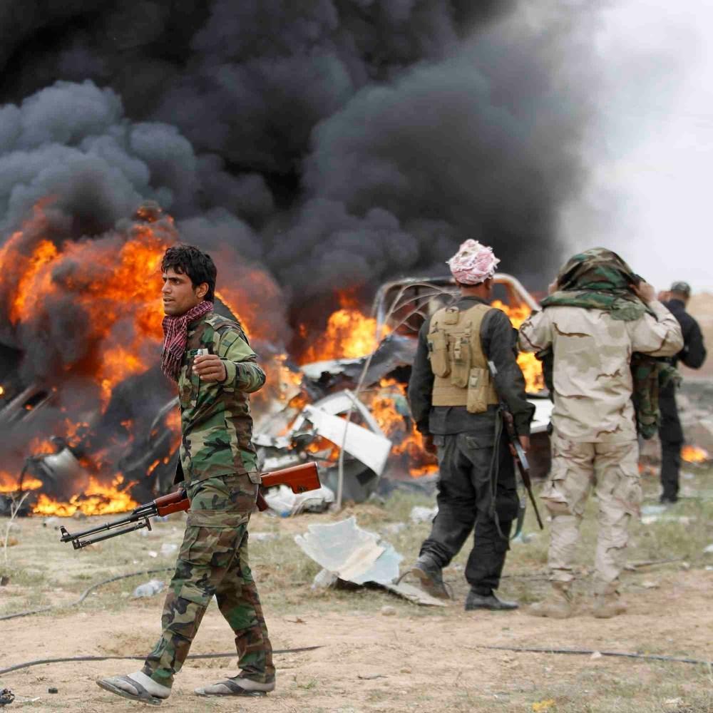 В Іраку терористи підірвали автомобіль і захопили заручників в торговому центрі