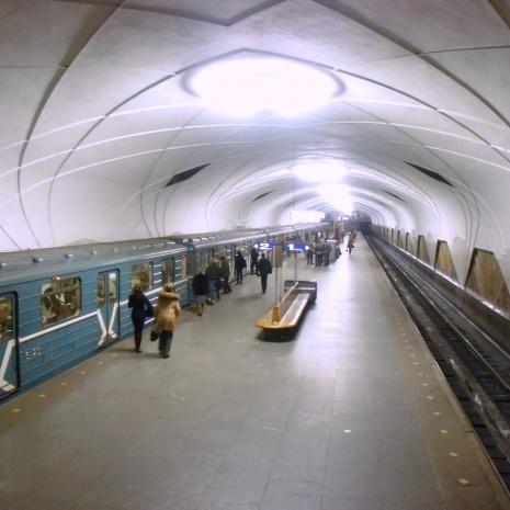 Неможливо мовчати: Працівники московського метро написали лист Путіну про жахливий стан підземки