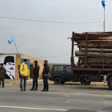 Учасники блокади Криму зняли всі свої блокпости