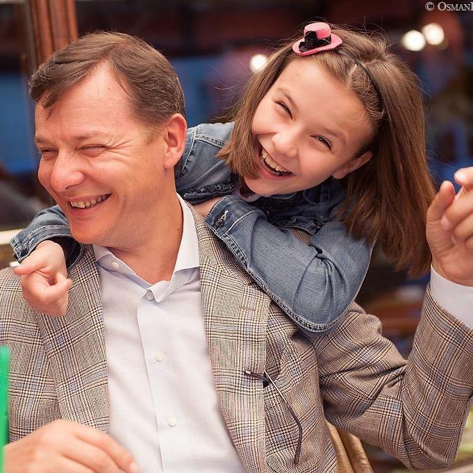 Ляшко показав архівне фото з маленькою дочкою