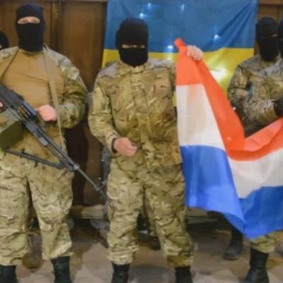 """Мережею поширюється фейковий ролик, де """"Азов"""" погрожує терактами Нідерландам (ВІДЕО)"""