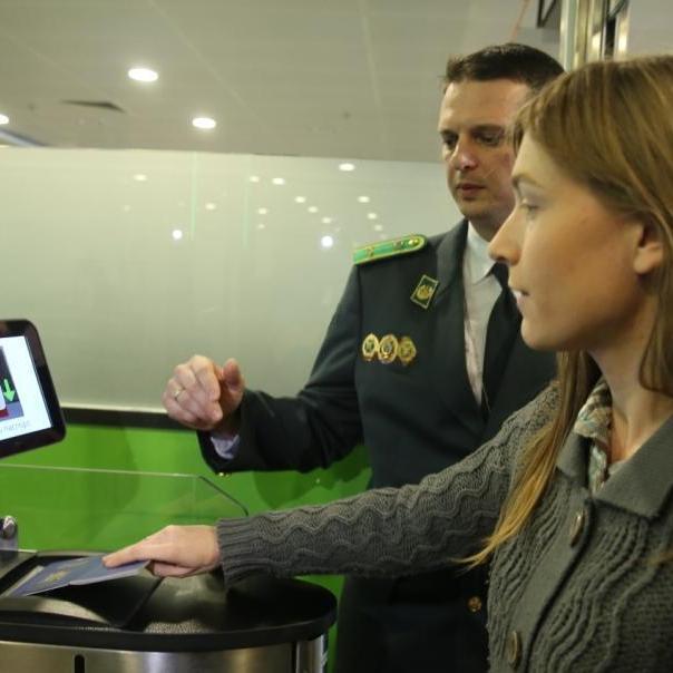 У Борисполі пообіцяли, що відтепер паспортний контроль можна пройти за 3-5 секунд
