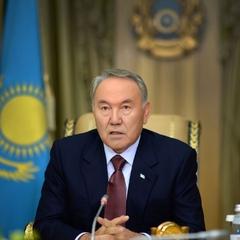 Назарбаєв розігнав казахський парламент