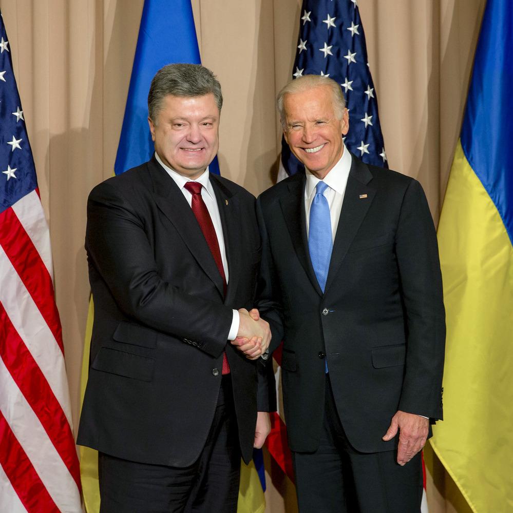 Порошенко близько чотирьох годин спілкувався з Байденом про Україну