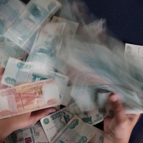 Пєсков стверджує, що нинішнє зниження курсу рубля - це не обвал