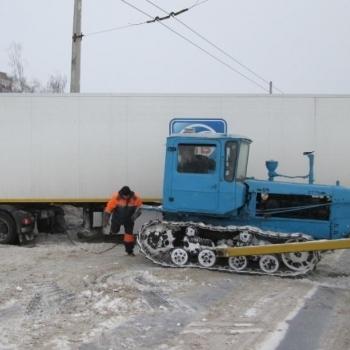 У чотирьох областях України вже відновили рух транспорту по автошляхах