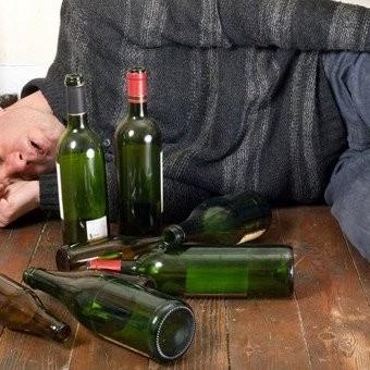 Росія надмірно забезпечує алкоголем Донбас