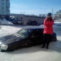 У Петербурзі залили ковзанку разом із автомобілями