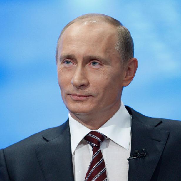 Путін згадав своє комуністичне минуле