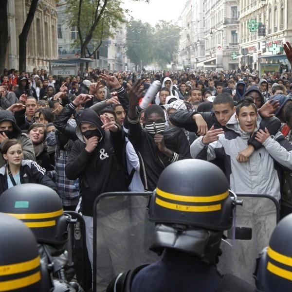 Франція охоплена масовими протестами