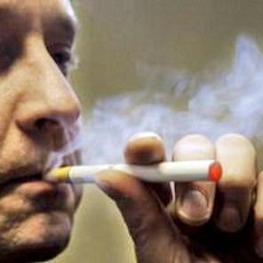 Електронна сигарета вибухнула в роті чоловіка