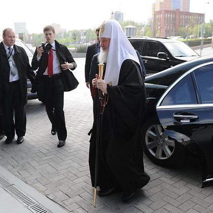 Оксиморон дня: Патріарх Кирило попросив не виставляти свої багатства